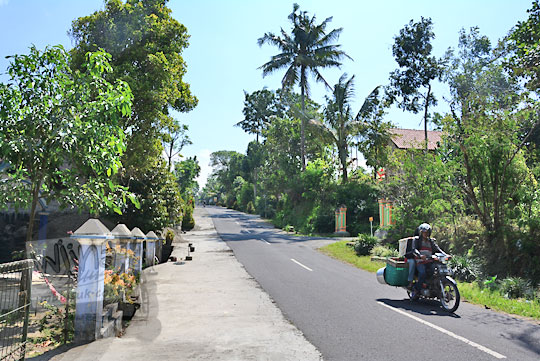 jalanan tanjakan di dekat kantor kecamatan musuk boyolali