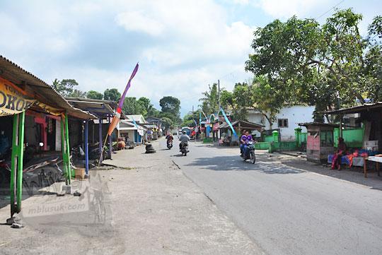 suasana pagi di pasar surowono kemalang klaten
