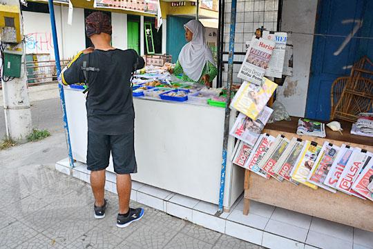 kisah penjual jajanan pasar tradisional di sepanjang jalan solo