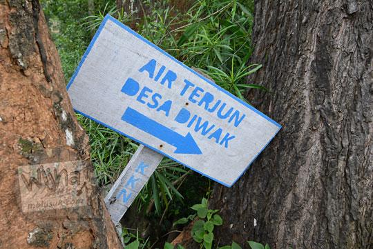 papan petunjuk arah air terjun desa diwak