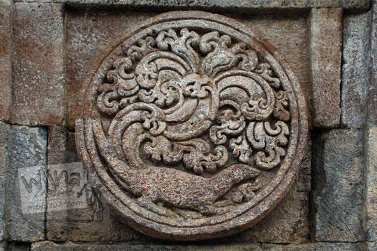 medalion relief kadal candi penataran