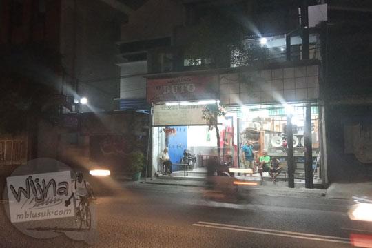 warung buto spesial masakan babi b2 di jalan brigjen katamso gondomanan kota yogyakarta