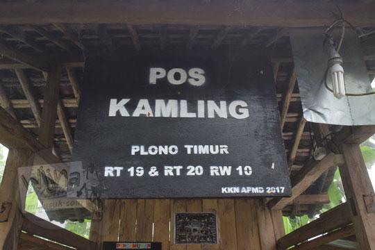 papan nama pos siskamling dusun plono timur samigaluh kulon progo