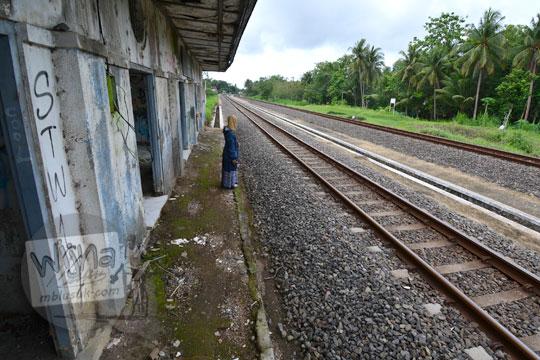 peron emplasemen stasiun kedundang