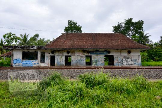 tampak belakang stasiun kedundang