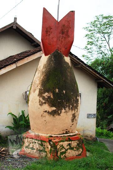 bentuk kondisi monumen bom samigaluh pada tahun 2015