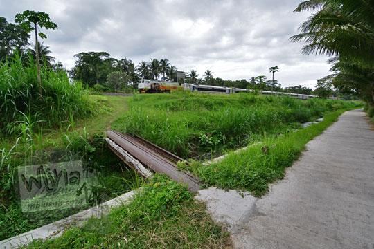 jembatan sungai bekas rel kereta api