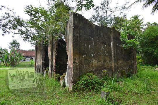tampak belakang rumah tua belanda seberang stasiun kedundang