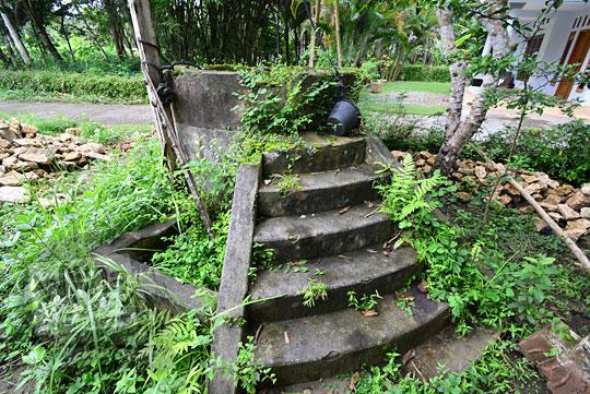 anak tangga sumur rumah tua belanda seberang stasiun kedundang