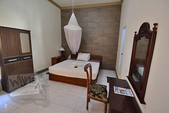 ranjang kamar banyu urip homestay kuta lombok
