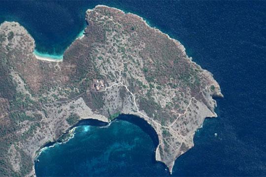 wilayah tanjung ringgit di lombok timur dilihat dari google maps