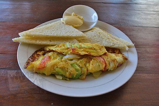 sarapan omelette banyu urip homestay lombok