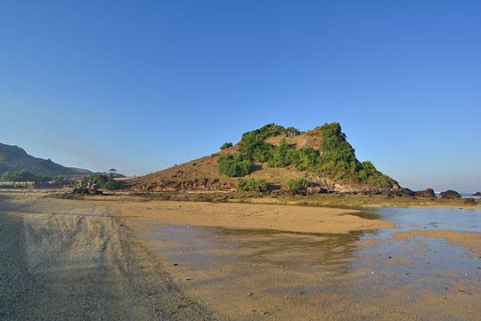 bukit pantai putri nyale lombok