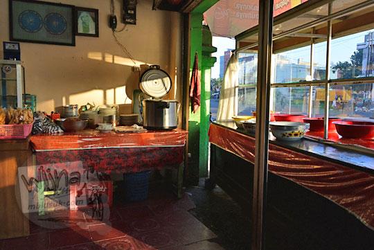 rumah makan sederhana mataram di jalan panca usaha