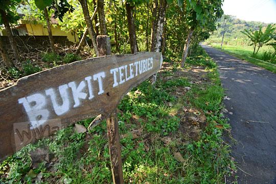 papan nama bukit teletubbies nglepen