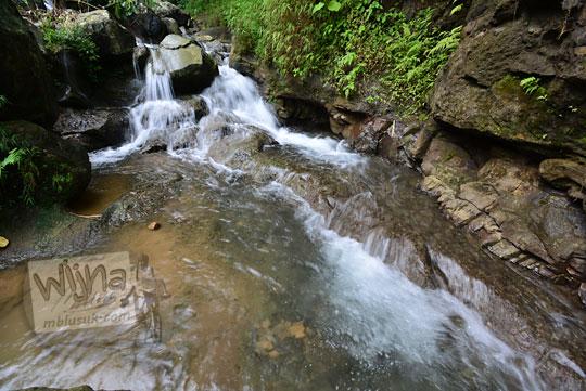 kedung di sepanjang aliran sungai air terjun kembar mayang atau curug ngedok di kaligesing purworejo