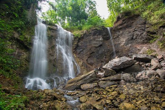 kondisi air terjun kembar mayang atau curug ngedok di kaligesing purworejo setelah musibah tebing longsor