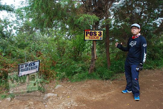 suasana pos 3 pendakian gunung prau jalur kalilembu