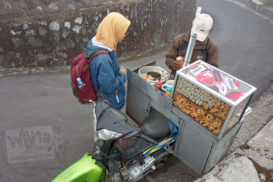 cerita bapak penjual bakso di puncak gunung telomoyo