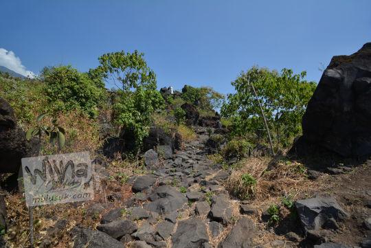 jalan batu bukit seribu satu manguntapa