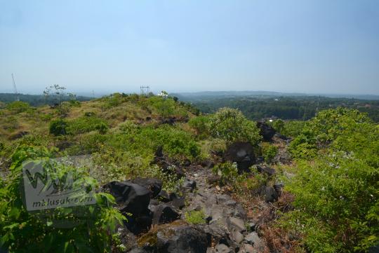 pemandangan indah bukit seribu satu manguntapa