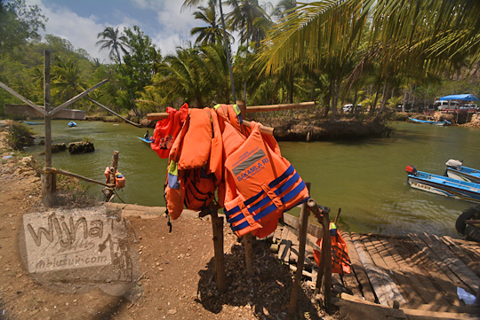 jaket pelampung susur sungai cokel pacitan