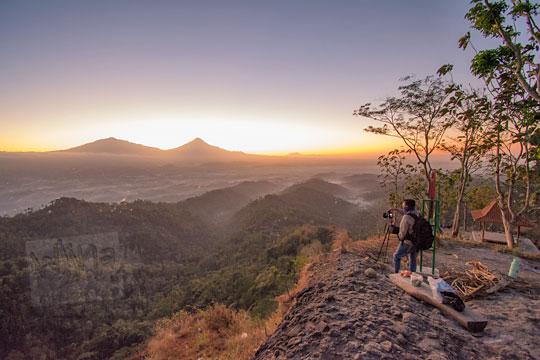 fotografer memotret bukit gondopurowangi kenalan borobudur magelang