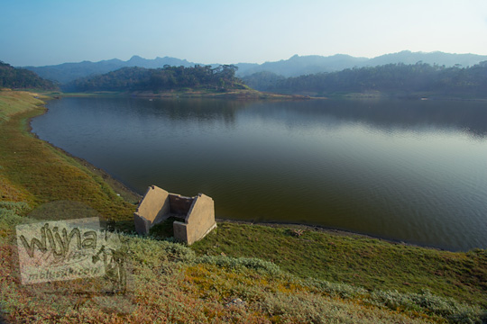 sejarah bekas makam di yang sekarang menjadi taman bambu air waduk sermo