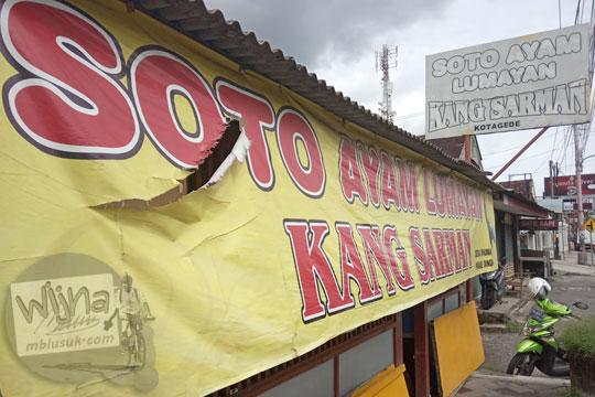 spanduk muka warung soto ayam kemangi lumayan kang sarman kotagede