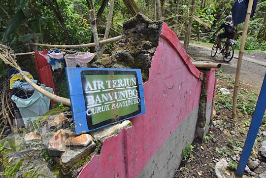 papan nama curug banyunibo gedangsari gunungkidul