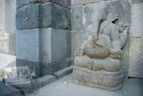 Foto arca Ganesha Candi Gebang di tahun 2008