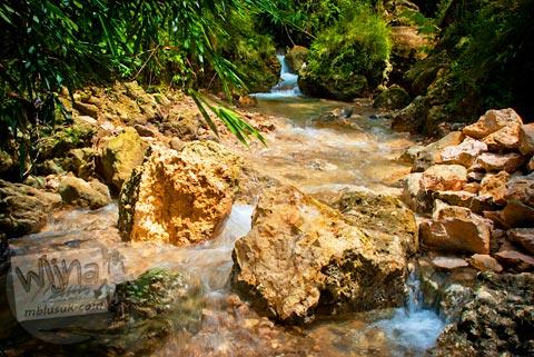 Sungai indah di sekitar kawasan Curug Siklothok, Kaligono, Kaligesing, Purworejo pada tahun 2011