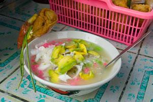 Thumbnail untuk artikel blog berjudul Es Oyen dan Lumpia Mojokerto