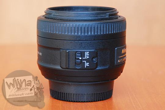 review pengalaman mengoperasikan tombol sistem autofokus A/M dan M pada lensa AF-S DX Nikkor 35mm