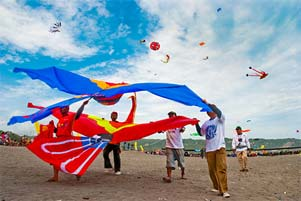 Thumbnail artikel blog berjudul Ada Festival Layang-Layang di Parangkusumo