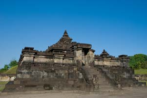 gambar/baru/foto-candi-sambisari-yogyakarta-2008_tb.jpg?t=20180722120621345