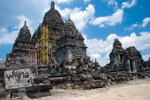 Foto Pemugaran Bangunan Induk Candi Sewu, Prambanan pada September 2009