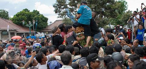 Foto prosesi Grebeg Besar Yogyakarta 2007