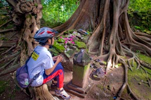 Thumbnail untuk artikel blog berjudul 11 Pocong di Istana Kematian Gunung Kelir