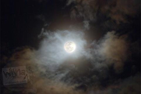 Foto Langit Bulan Purnama di Candi Ijo, Prambanan, Yogyakarta jaman dulu di tahun 2008