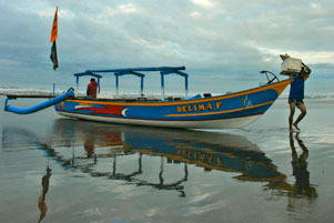 Singgah di Pantai Pangandaran