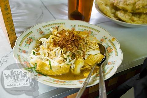 Foto Tahu Pojok Magelang di Semarang, Jawa Tengah pada November 2007