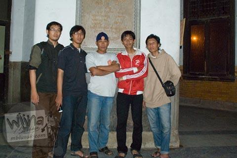 Foto Pemandu Lawang Sewu Semarang, Jawa Tengah pada November 2007