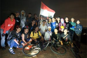 gambar/baru/foto-sepeda-malam-agustus_2011_tb.jpg?t=20180924053404303
