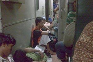 Bertahan Hidup di Atas Kereta