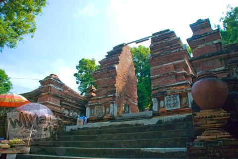 gerbang masuk menuju makam raja-raja imogiri, Yogyakarta di tahun 2009