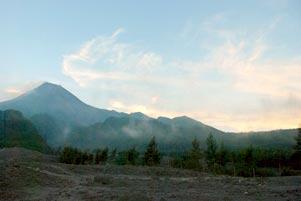 Thumbnail untuk artikel blog berjudul Gunung Merapi dari Kaliadem