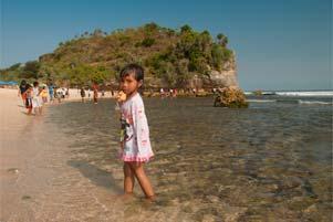 Thumbnail untuk artikel blog berjudul Mampir Pantai: Indrayanti, Somandeng, Kukup