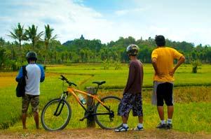 PEKOK (hanya) Keliling Borobudur