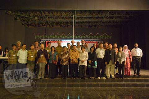 Peserta Konferensi Interasional SEAMS dan Dosen Jurusan Matematika FMIPA UGM